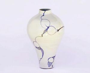 gosford-art-prize-vase